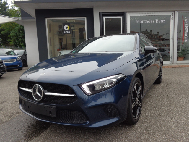 Mercedes-Benz A 200 Sport Tetto apribile/Pack Night/Cerchi 18
