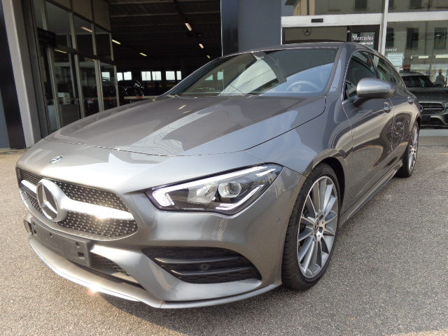 Mercedes-Benz CLA 180 Automatic Shooting Brake Premium AMG Cerchi 19